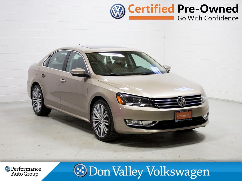 Certified Pre-Owned 2015 Volkswagen Passat 1.8 TSI Comfortline Roof Cam Leather