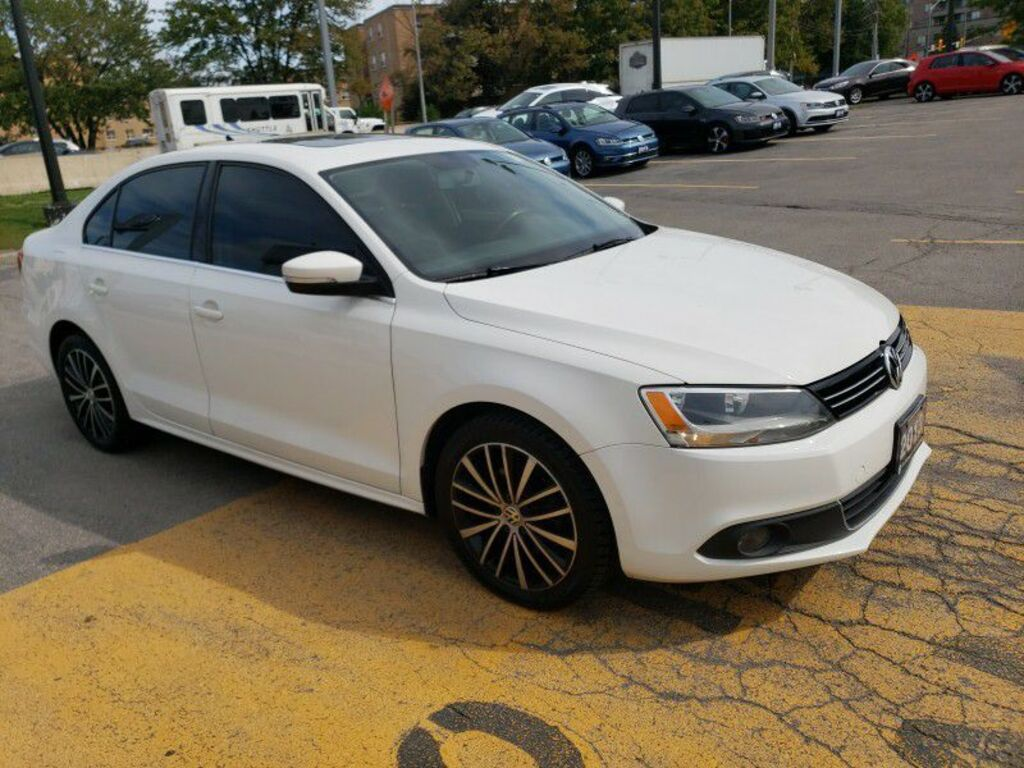 Pre-Owned 2013 Volkswagen Jetta Sedan 4dr Man SEL BLUETOOTH ROOF